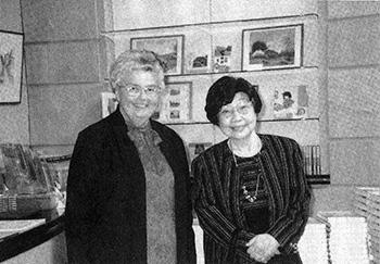 アリータ・リチャードソンさんと中村妙子さん