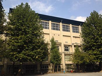 現在の都立忍岡高等学校